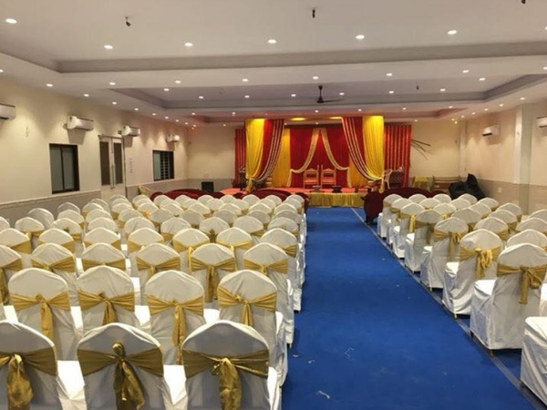 Royal Banquet Hall Borivali West Mumbai - Banquet Hall