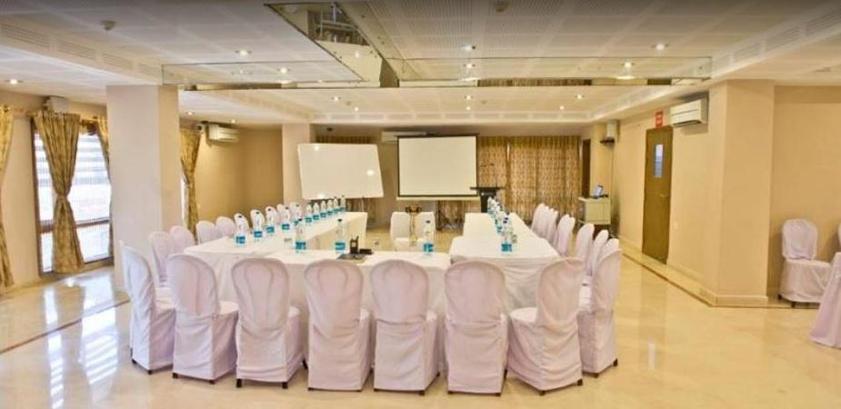 Hotel Rains Inn Paltan Bazaar Guwahati - Banquet Hall
