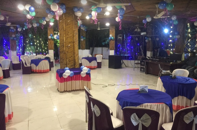 Crisp And Curry Banquet Hall Kondhwa Pune - Banquet Hall