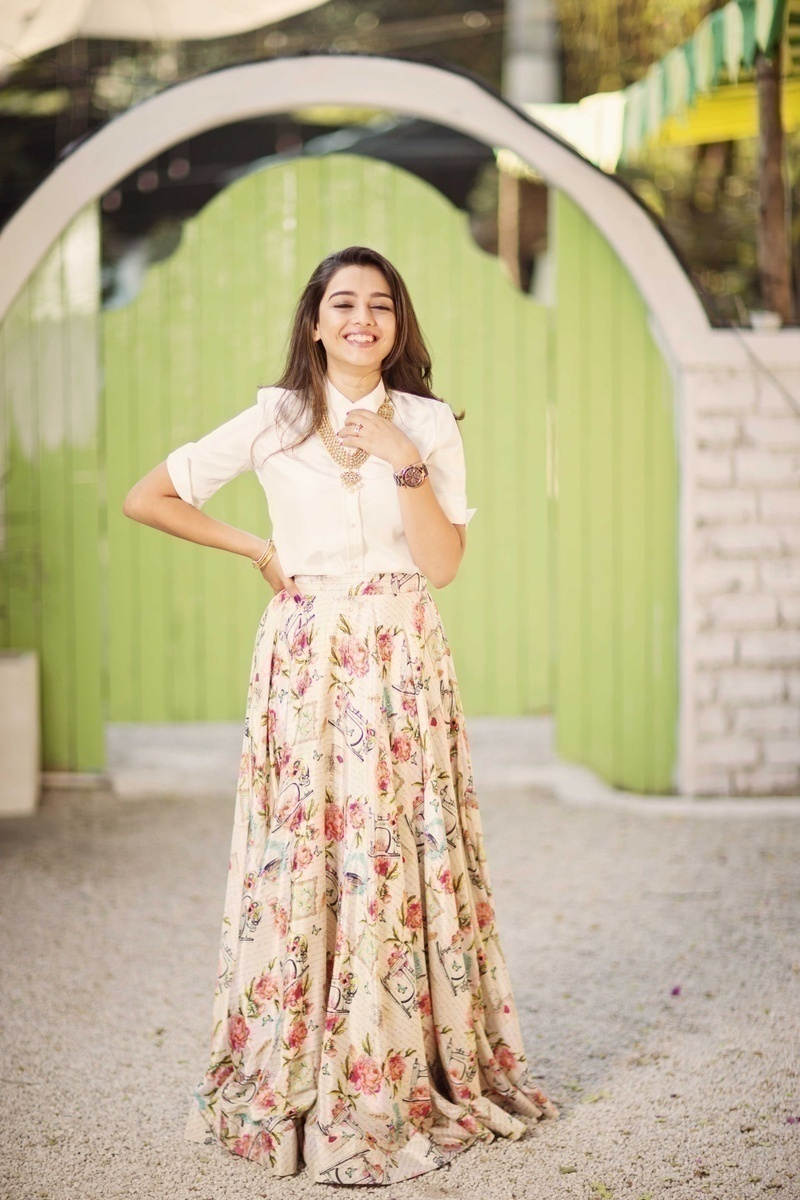 Outfits – Traditional Feminine and Comfortable