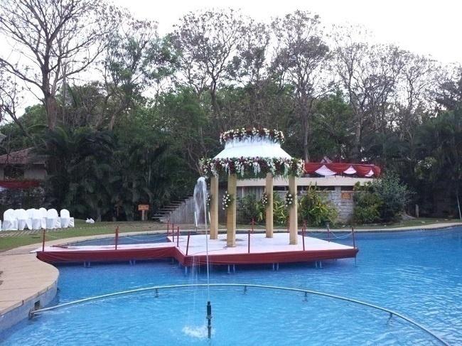 Majestic wedding lawns in bangalore ideal for big fat indian wedding celebration blog for Swimming pool near sahakar nagar bangalore