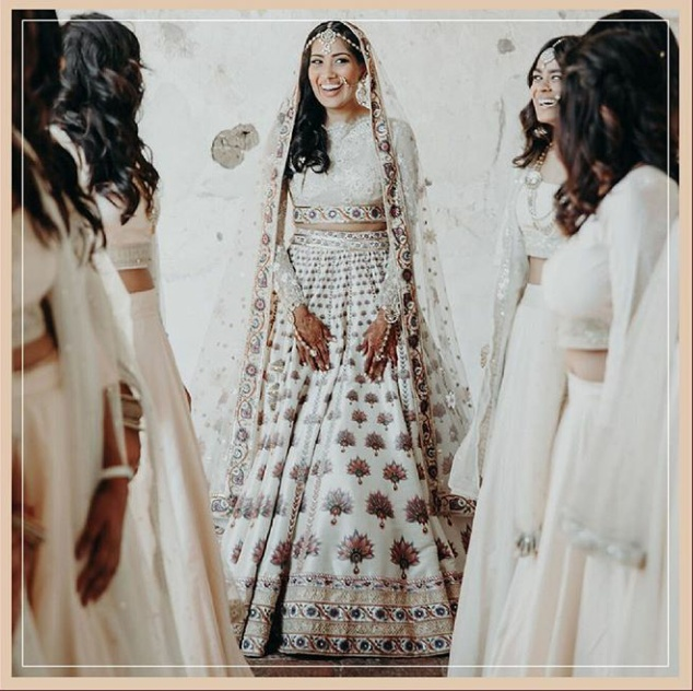 13. This ivory lehenga by Tarun Tahiliani is so picturesque!