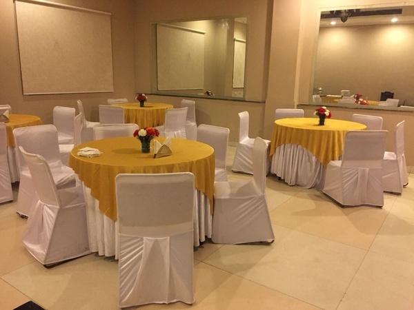OYO Flagship 14443 Hotel Chaupal Sector 14 Gurugram - Banquet Hall
