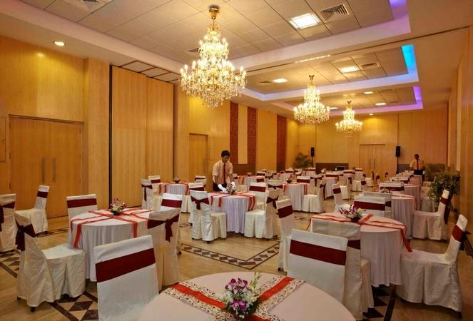 Avion Hotel Vile Parle East Mumbai - Banquet Hall