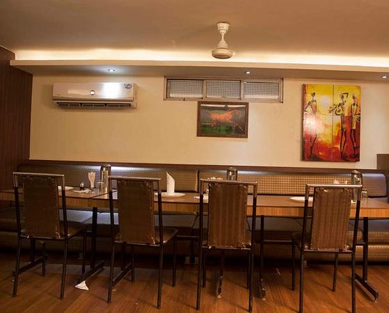 Hotel Raja Seth Swati Restaurant Cooperganj Kanpur - Banquet Hall