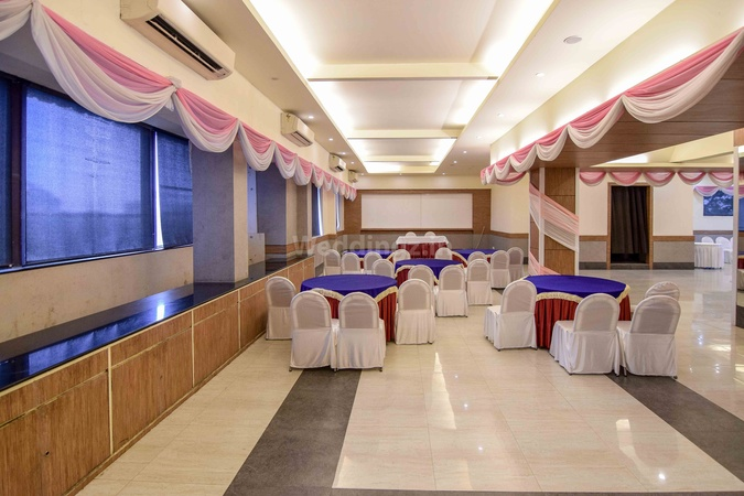 Hotel Polo Max Civil Lines Prayagraj - Banquet Hall