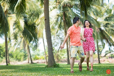 interesting and fun loving pre wedding morning shoot in bright outfits