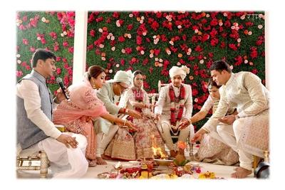Ceremonial wedding photography of the wedding ceremony