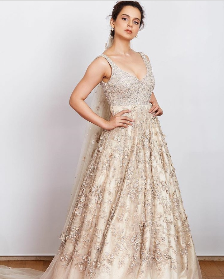 7. Kangana Ranaut wore this stunning ivory lehenga at LFW'18 as Shyamal and Bhumika's showstopper.