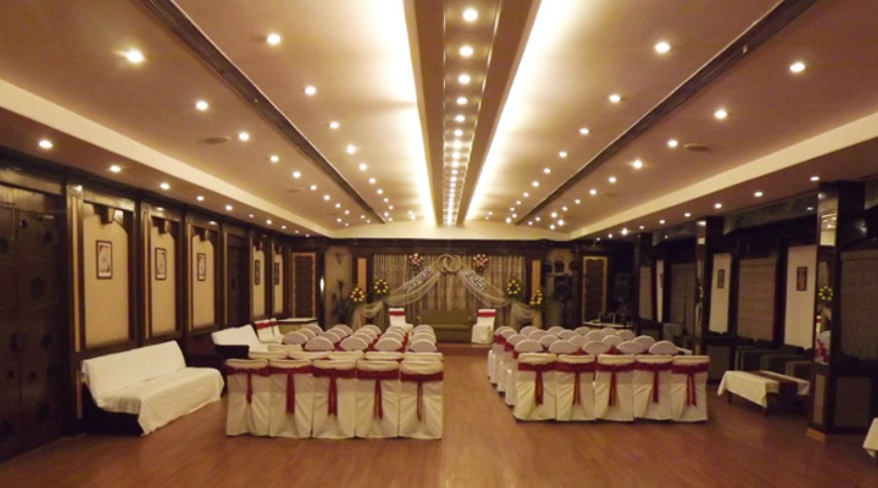 Hotel LB Sadar Nagpur - Banquet Hall