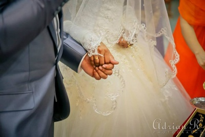 Moment of weddings captured by Adrian R Photography