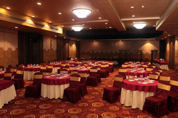 Golden Tulip Salt Lake City Kolkata - Banquet Hall