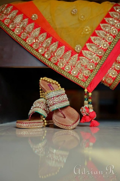 Embellished ethnic footwear ideas for the indian bride