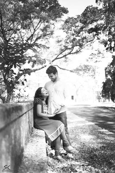 Couple dressed in casuals for their pre wedding shoot