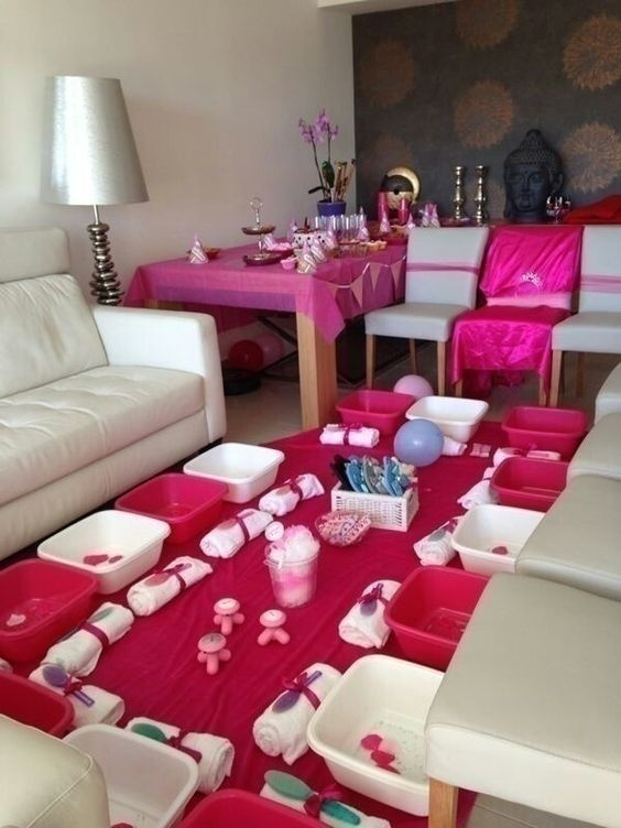 PAMPERING Bachelorette Party!