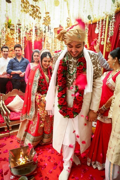 Wedding ceremonies held under a vedi mandap decorated with suspended Tube Roses strings along with kaliras