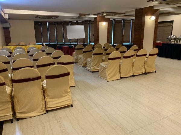 President Hotel Sayajigunj Baroda - Banquet Hall
