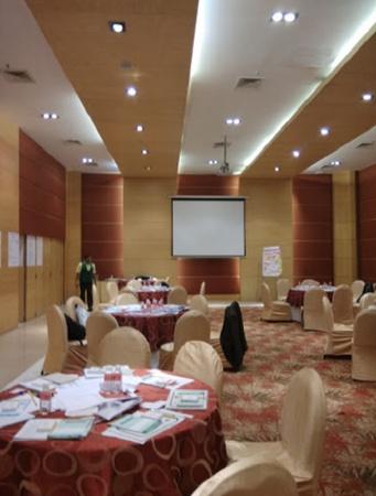 Lemon Tree Hotel Ramapuram Chennai - Banquet Hall