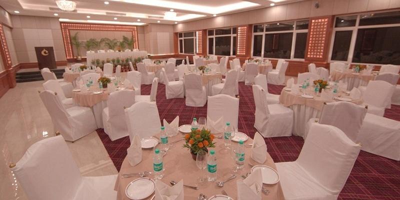 Hotel Clarks, Varanasi Cantt, Varanasi