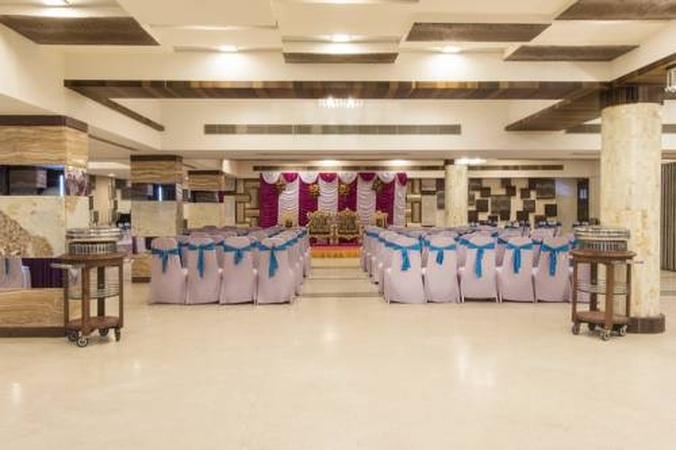 Inder Residency Ellis Bridge Ahmedabad - Banquet Hall