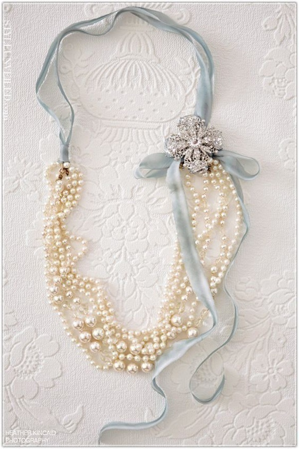 Elegant Bridal Pearl Jewellery to Accentuate Your Neckline