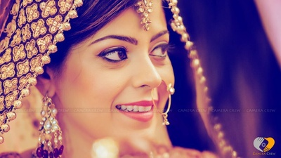 Natural bridal make up that brings out the bride's features