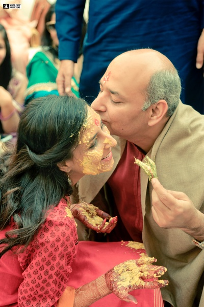 An emotional and lovable father-daughter moment at the haldi ceremony!