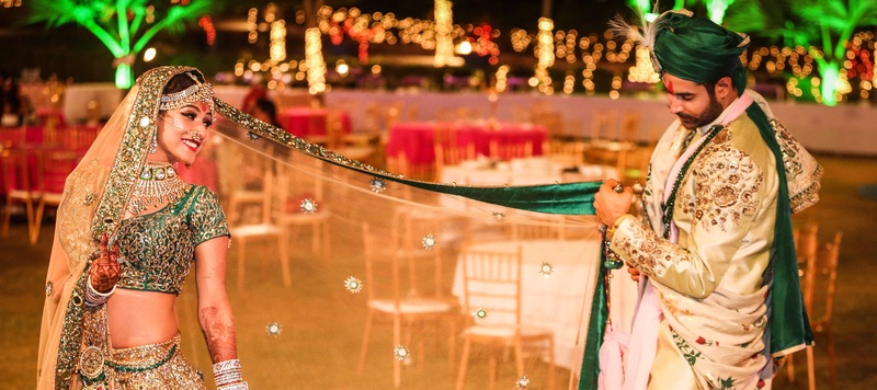 Kanav  & Apurva Udaipur : Calling themelves 'coy and quirky', their wedding was around that very theme!