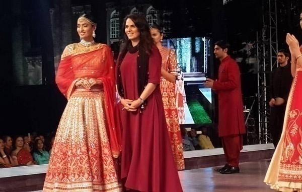 MakeInMaha: Inspirational Bridal Wear at the Maharashtra Textiles ...