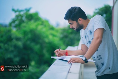 Penning down his thoughts, treasuring his emotions before the big day