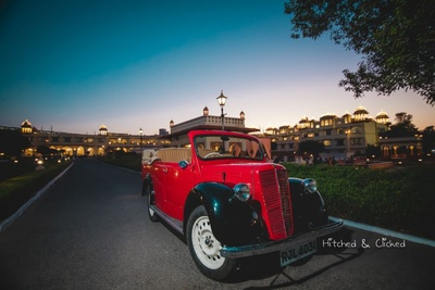 Vintage car that the groom will enter the wedding function in