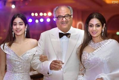 Familiy photo of the Kapoors - Janvi, Boney Kapoor and Sri Devi