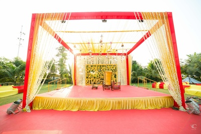 Beautiful wedding set up at Vidhi Party plot, anand.