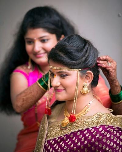 Traditional Mundavalya headpiece