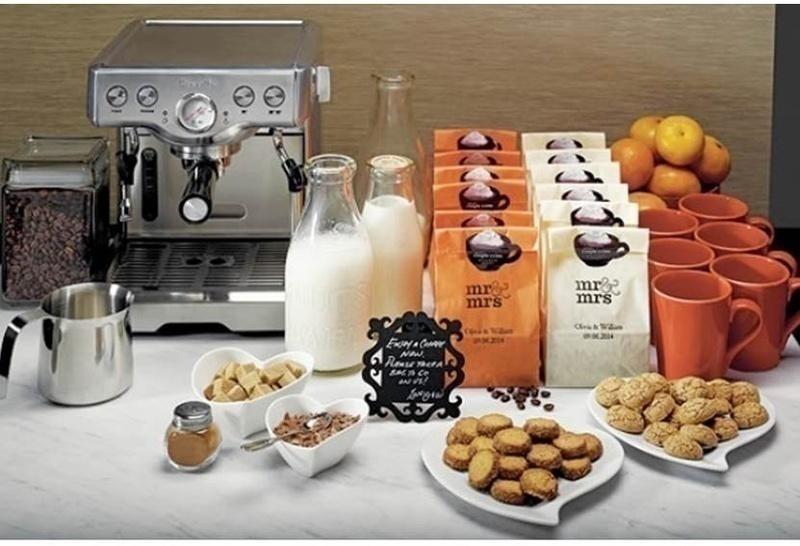 Wedding food bar idea: COFFEE AND COOKIES!