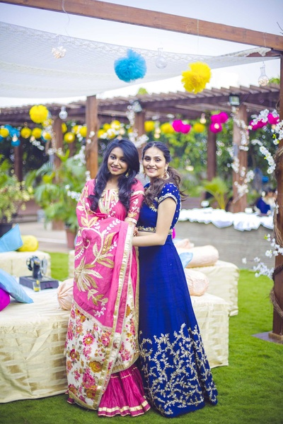 Bridesmaids pose for The Photo Diary during the mehndi function at NSCI, Worli