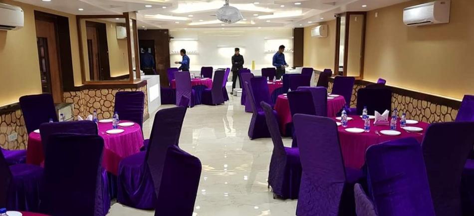 Silver Spoon Restaurant Hazratganj Lucknow - Banquet Hall