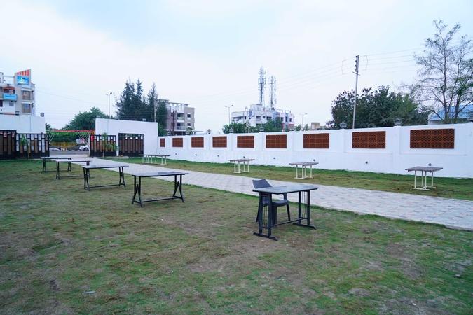 MH 31 Family Garden Restaurant And Lawn Zingabai Takli Nagpur - Wedding Lawn