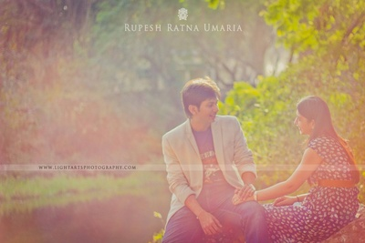 Pre-wedding photo shoot captured by Lightarts photography