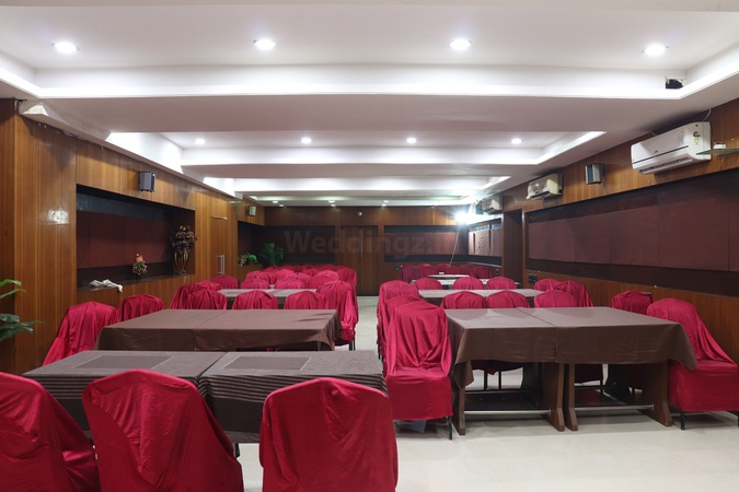Hotel Dev Corporate Navrangpura Ahmedabad - Banquet Hall