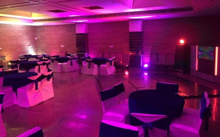 Rajwada Banquet Hall Kamla Nagar Agra - Banquet Hall