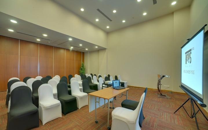 Keys Select Hotel Thevara Kochi - Banquet Hall