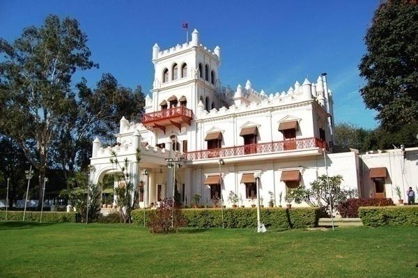 Jayamahal Palace – Palace Grounds
