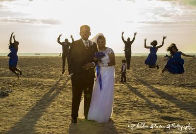 Sunset photo shoot ideas. Creative wedding photography