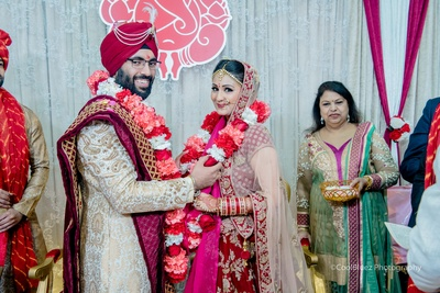 Following the Anand Karaj, they also had a Hindu wedding ceremony.