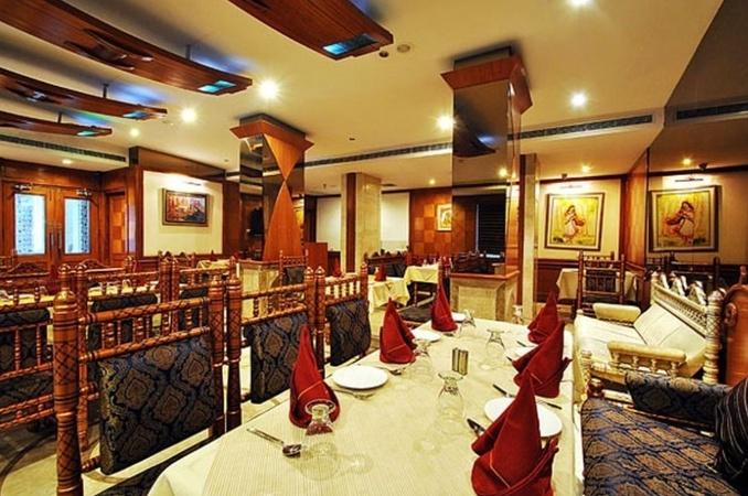 Hotel Zeeras Varanasi Cantt Varanasi - Banquet Hall