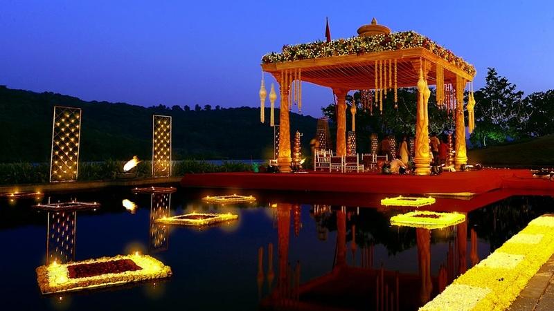 "Best wedding lawns in Pune for a drop dead gorgeous ""Dulha Dulhan"" affair!"