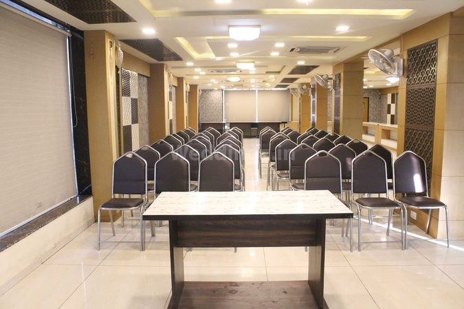 KC Restaurant And Banquet Hatkeshwar Ahmedabad - Banquet Hall