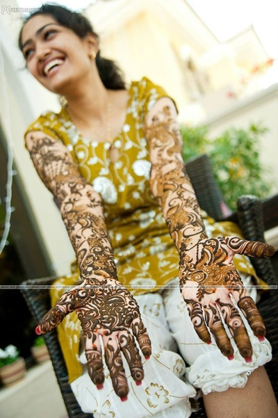 Detailed and extensive mehendi designs