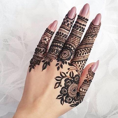 50 Simple Mehndi Design Images to Save this Wedding Season